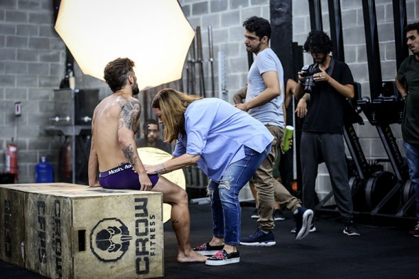 bruno gagliasso de cueca para mash making of 1