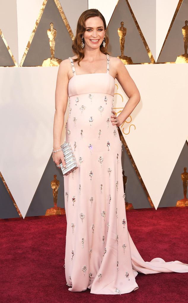 Emily-Blunt-Prada-Look-Oscar