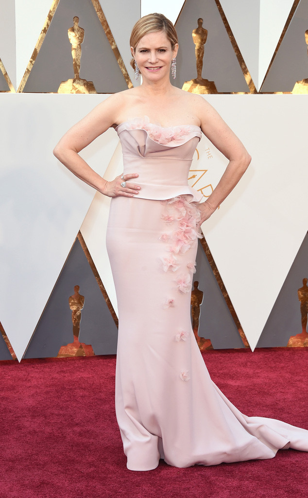 Jennifer Jason Leigh Look OScar