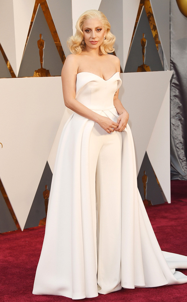 Look de Lady Gaga no OScar 2016