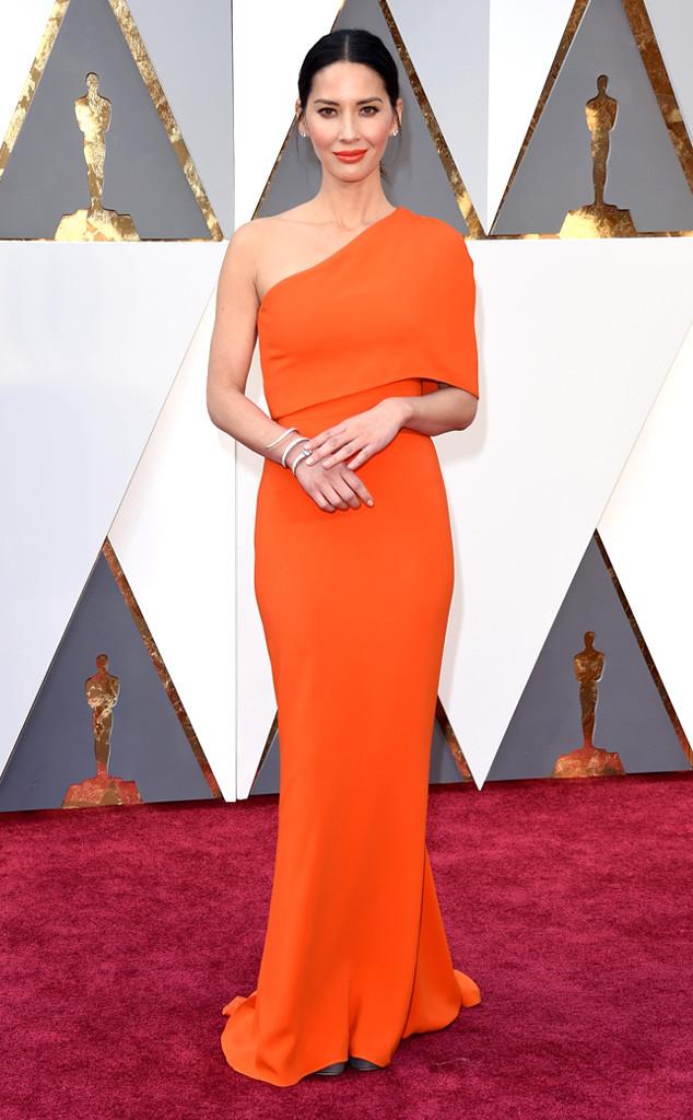 Looks Oscar 2016 -Olivia Munn